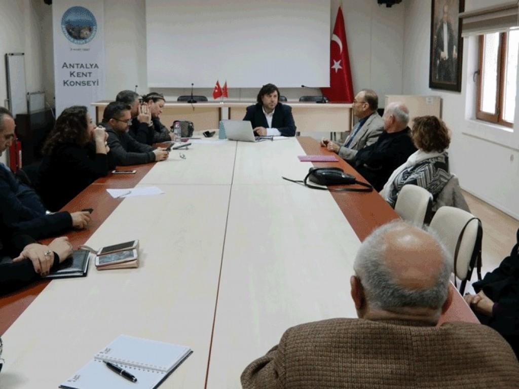 Antalya Kent Konseyinde toplantı