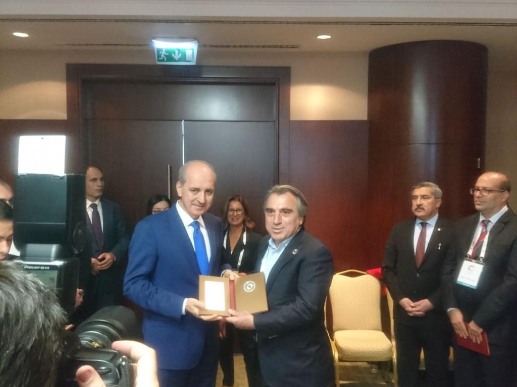 3. Turizm Şura'sında Bakanımızdan plaket almak onur vericiydi